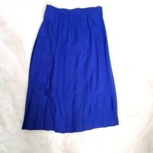 5/$30 vintage Blue Pleated Skirt sz 8